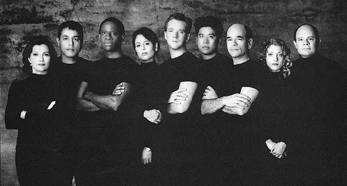 Star Trek Voyager - Cast Seasons 1 to 3 (L to R), Kate Mulgrew (Captain Kathryn Janeway), Robert Beltran (Commander Chakotay), Tim Russ (Lt. Commander Tuvok), Roxann Dawson (Lt. B'Elanna Torres), Robert Duncan McNeil (Lt. Tom Paris), Ensign Harry Kim (Garrett Wang), Robert Picardo (The Doctor), Jennifer Lien (Kes) and Ethan Philips (Neelix).
