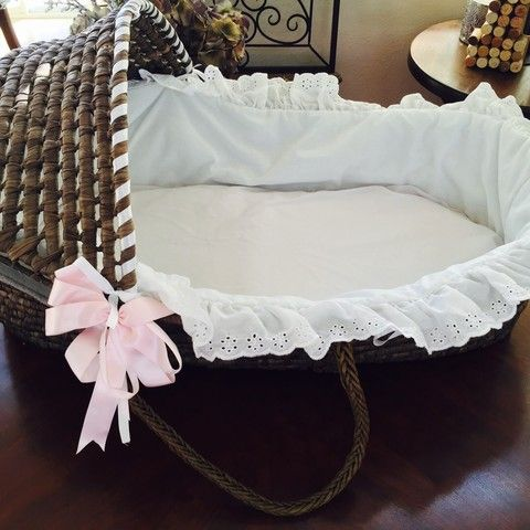 Moses basket like new (used once for photo shoot) Pink ribbon can b...