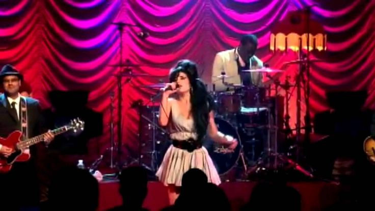 Amy Winehouse Live In London 2007-O MAIOR CANTORA E COMPOSITORA DE R&B, JAZZ, BLUES DO SÉCULO 21. MINHA QUERIDA, INESQUECÍVEL E SEMPRE SAUDOSA AMY. MISS AMY WINEHOUSE = Amy Winehouse Live In London 2007