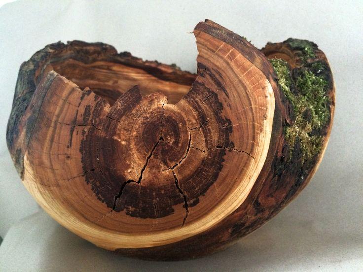 Drevená miska s čerešnového dreva... Vyrobené na Slovensku  / Wooden bowl, made from cherry tree wood... Made in Slovakia