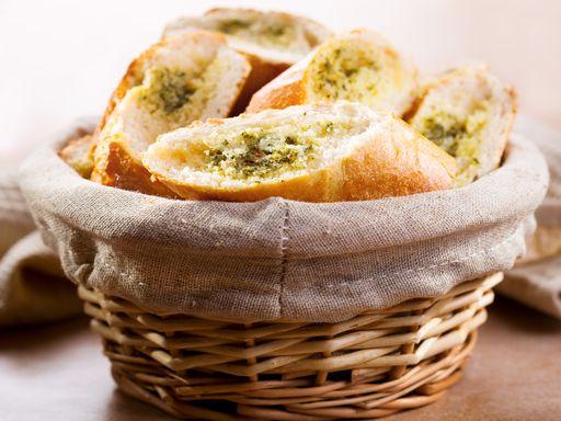 Garlic Bread (pain à l'ail) - Recette de cuisine Marmiton : une recette