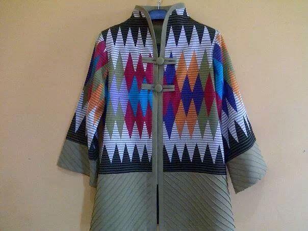 tenun - Batik Indonesia