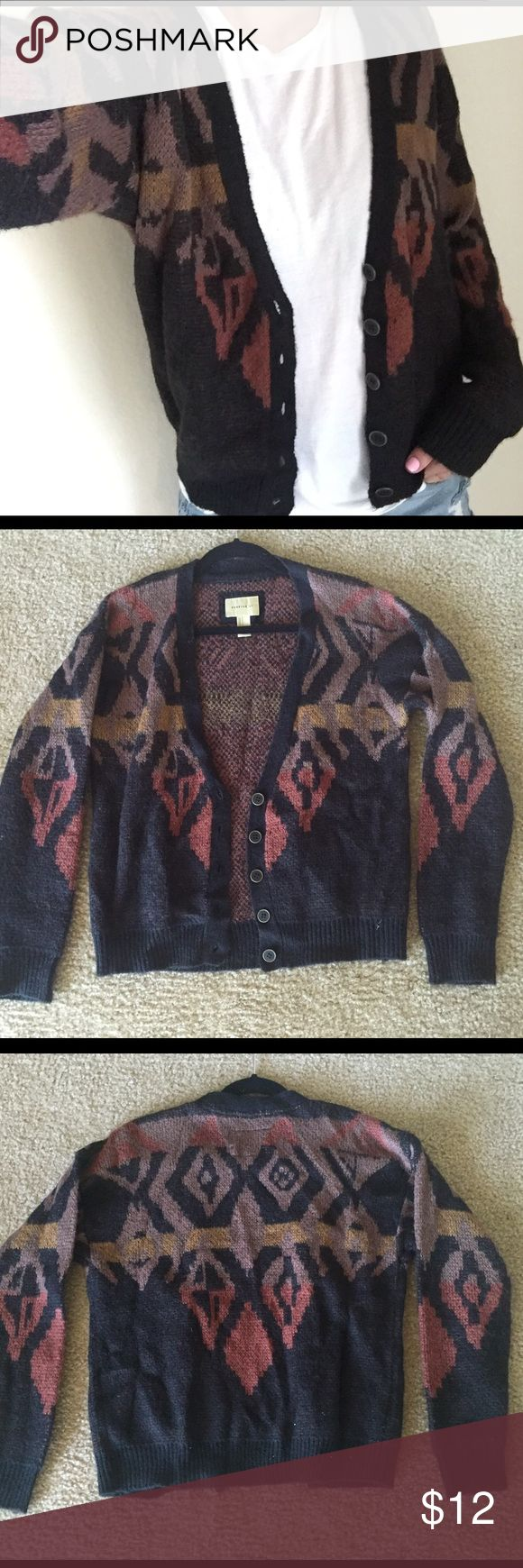 Tribal print cardigan Cozy tribal print cardigan! Size S, only worn once Forever 21 Sweaters Cardigans