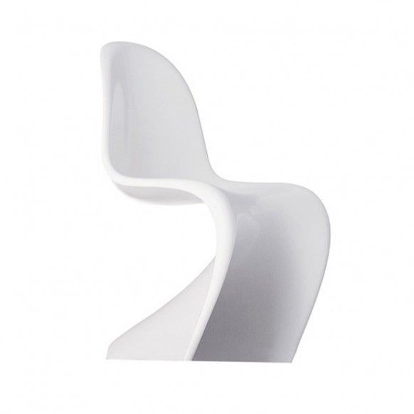 S Chair – Verner Panton  This classic award winning chair was created in 1967 and is quite popular among modern design aficionados. Panton created the first single-form injection-molded plastic chair and went on to design the S chair for the demand of its eye catching curves.