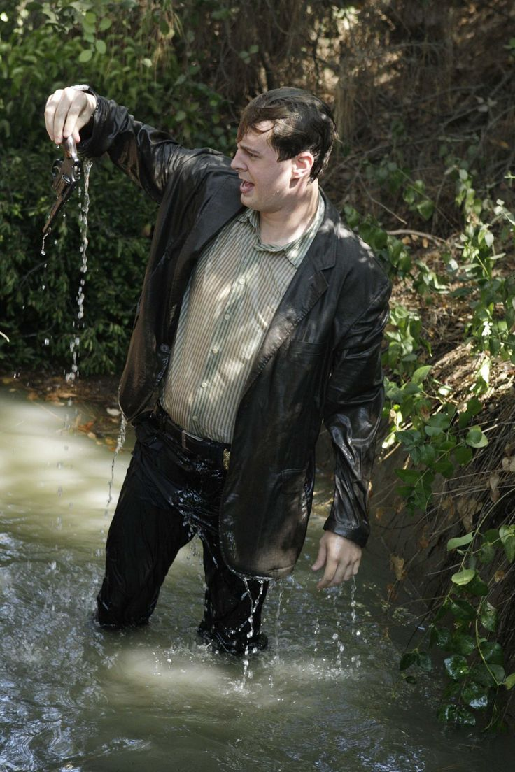 """NCIS Season 6 Episode 3 - """"Capitol Offense"""" ~ When Tony told McGee he had to go into the dirty water. :)"""