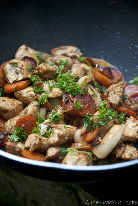 Clean Eating Wok-Style Garlic Chicken & Carrots