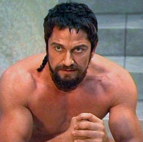 ACTOR GERARD BUTLER as Spartan King Leonidas in 300