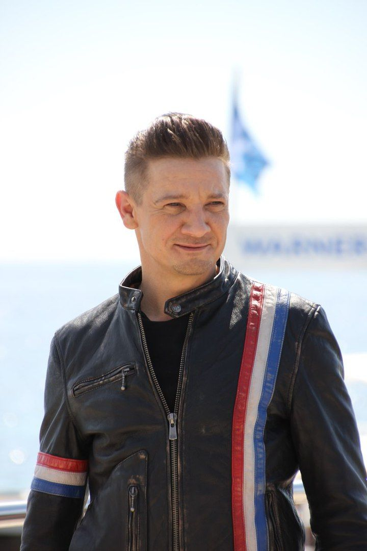 "17 Best images about Jeremy Renner - ""All Jeremy, all the ...