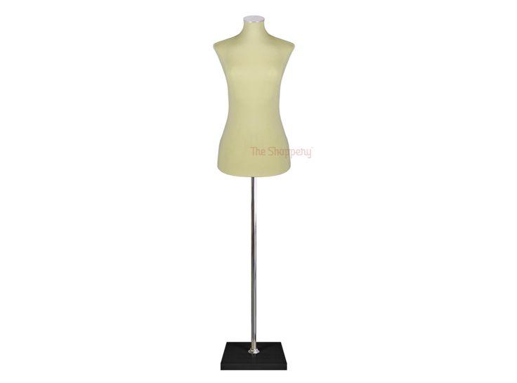 Busto de costura señora realizado en poliuretano expandido cubierto con forro de tela lavable color crudo, varias tallas. Busto válido para modista, permite pinchar agujas para ceñir la prenda. Regulable en altura, con base de color negro y tapa cromada.  Ideal para escaparate de tienda de ropa. Económico y fácil de trabajar con él. MEDIDAS POR TALLA TALLA 38-40: Pecho 85cm, Cintura 65cm, Cadera 86cm, Hombros 38cm  TALLA 42-44: Pecho 88cm, Cintura 67cm, Cadera 89cm, Hombros 40cm  TALLA…