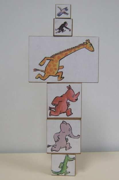Voici le dernier sac à album de cette période... Pour celui - ci, j'ai trouvé l'idée sur un document d'accompagnement publié par l'Ecole des Loisirs... En petit plus, je propose un jeu de 6 cubes avec les personnages de l'histoire collés dessus. Cela...