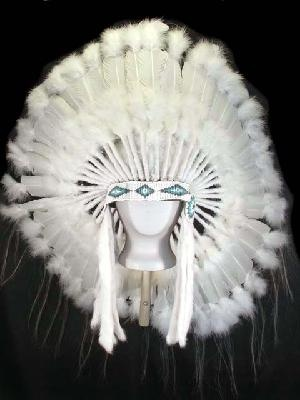 CEREMONIAL INDIAN WEDDING HEADDRESS WAR BONNET.... What if I need this one day?!?! Better pin it just incase. Haha.