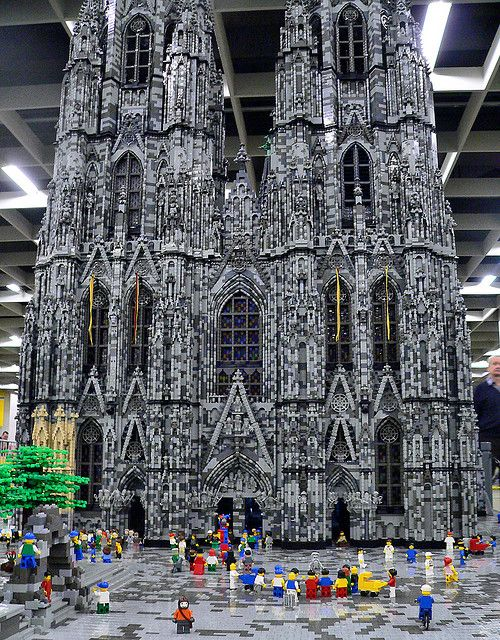 This is incredible! Cathedral of Cologne. Lego people have been busy!