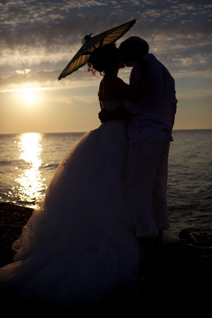 Wedding shot with two creative souls... www.yeldacalimli.com #wedding #weddingphotography #weddingshotwithumbrella #wedding inspiration #yeldacalimliphotography #rustic #vintage #justmarried #trashthedress