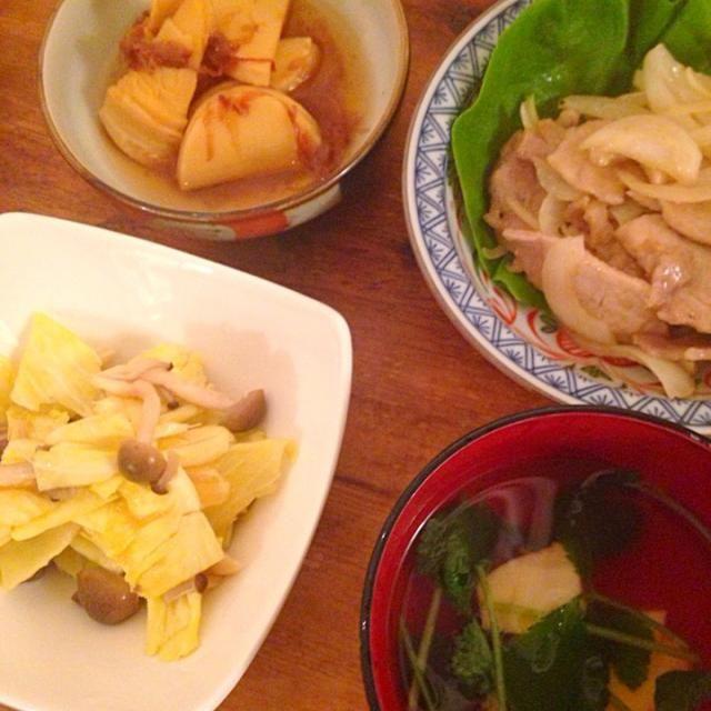 3月21日の晩御飯(^_^) - 7件のもぐもぐ - 筍の土佐煮、豚肉のポン酢炒め、キャベツとしめじのコンソメ煮、ごま豆腐のお吸い物 by marchhares2