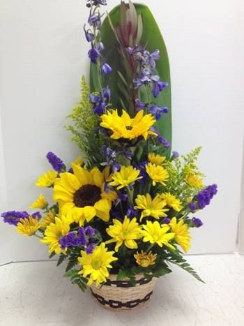 #flowers #florist #giftbaskets A very special request for sunflowers and daisies. Top creation by Pamela. This is why you contact a local flower shop instead of ordering from a 1800place!