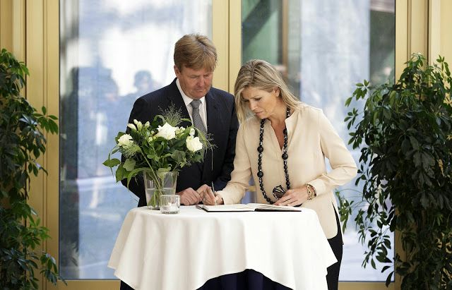 King Willem Alexander and Queen Maxima signed the book of condolences at the Ministry of Safety and Justice for the victims of Malaysian Airlines Flight 17, July 18, 2014.