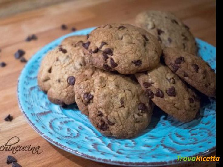Chocolate chips cookies – Biscotti con gocce di cioccolato  #ricette #food #recipes