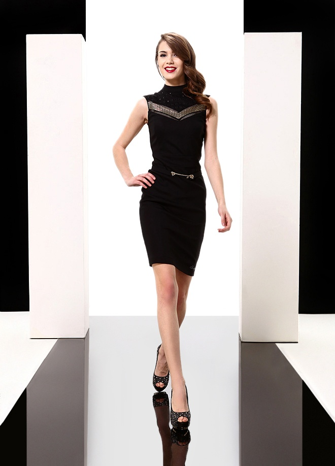 Sassofono Elbise Markafoni'de 659,00 TL yerine 176,99 TL! Satın almak için: http://www.markafoni.com/product/3616620/