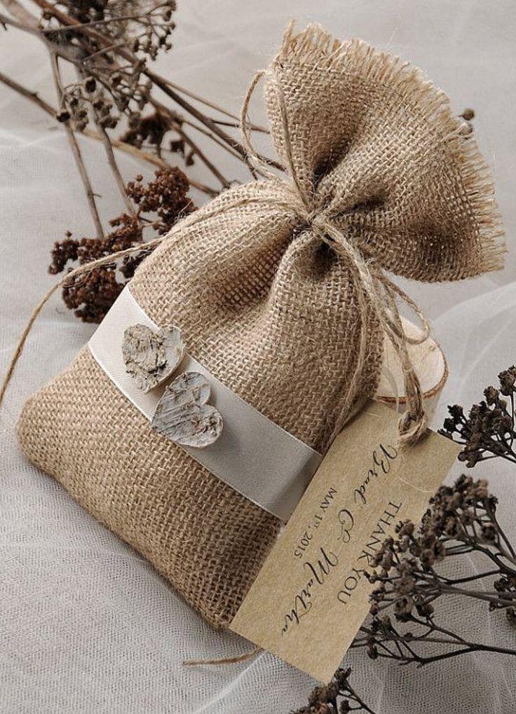 burlap wedding favor bags - 736×1019