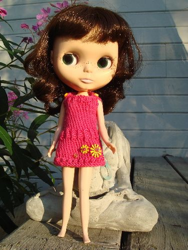 """a great, easy little mod dress for your blythe. SIZE 12"""" Blythe Doll MATERIALS - Lang Jawoll  sock yarn [75% superwash wool,18% nylon,7% ac..."""