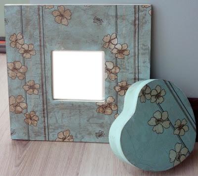 Conjunto de espejo y caja corazón decorado con decoupage