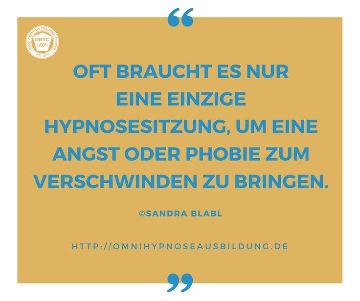 Angst ist ein Scheinriese! Gerade die spezifischen Phobien (Angst vor Tieren, Höhe, Weite, Fliegen etc.) sind in der Regel in einer *kurzen* Sitzung gelöst. Es gibt 3 Gründe, warum Hypnosetherapie bestens zur Behandlung von Ängsten und Phobien geeignet ist: http://omnihypnoseausbildung.de/3-gruende-warum-hypnose-bei-aengsten-und-phobien-die-beste-wahl-ist/