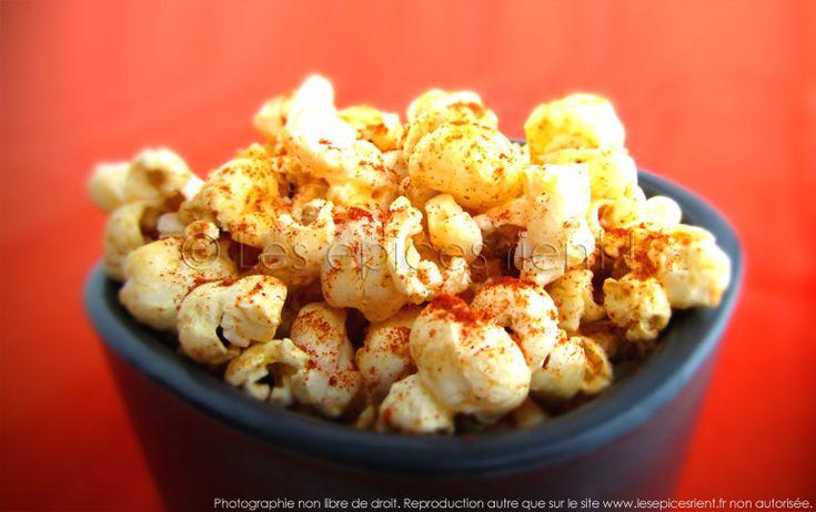 Pop corn Barbecue  -  20g de maïs à éclater / personne 1/3 cuil. à café d'épices Barbecue pour 20g de maïs à éclater 2 belles noisettes de beurre salé pour 20g de maïs Un peu d'huile