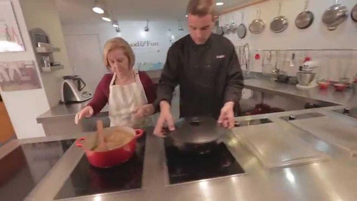 """Divertido vídeo ;) Duelo en la cocina entre Ana y Aurelio: """"Mastertest de las Lentejas"""" #COMO #Natural"""