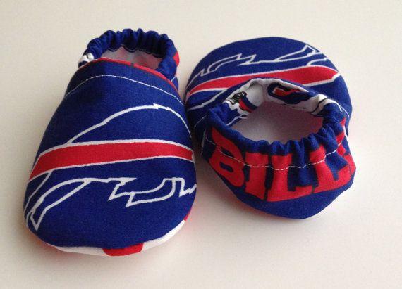 Buffalo Bills Cloth Baby Booties by saluna on Etsy, $15.00