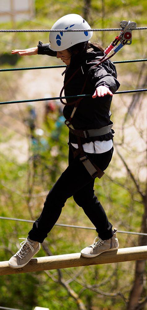 Pysytkö tasapainossa?  Challenge your balance!  #seikkailupuistohuippu #highropescourse #espoo #finland