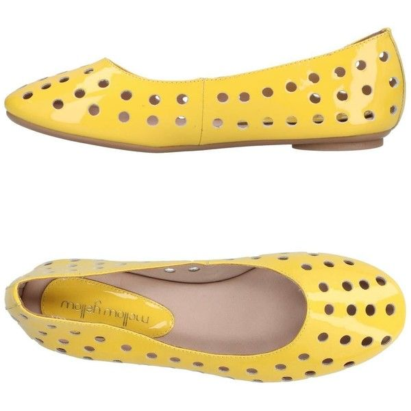 Mellow Yellow Ballet Flats (1,795 MXN) ❤ liked on Polyvore featuring shoes, flats, yellow, leather flat shoes, round toe ballet flats, yellow shoes, leather ballet flats and round toe flats