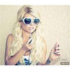 chanel west coast is also a beautiful girl, her laugh just gets on my nerves... lol