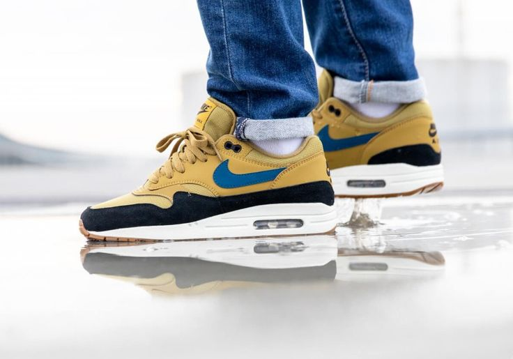 Nike Air Max One jaune moutarde bleue et noire (2018)   Nike air ...