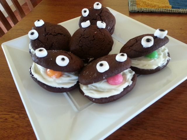 Cute oyster whoopie pies at an Under the Sea Party #underthesea #party