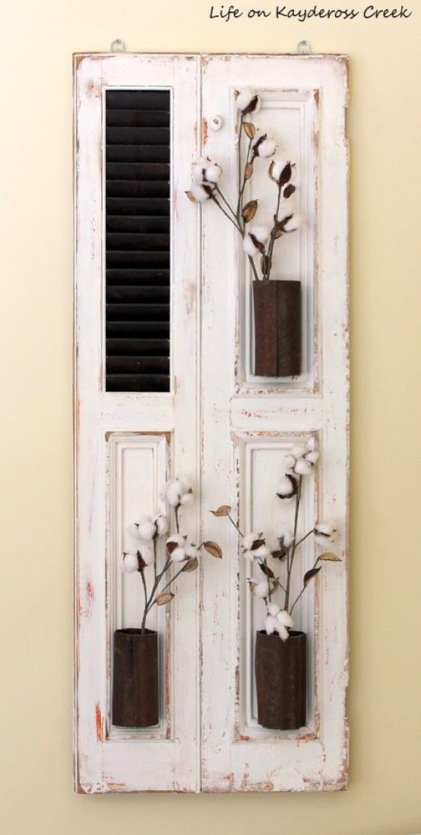 Check out how to make DIY farmhouse wall decor with old shutters @istandarddesign