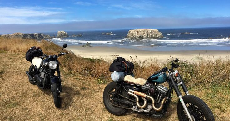 Custom Harley Sportster and Triumph Bonneville. Oregon Coast. Story of our motorcycle trip from Vancouver down the Pacific Coast Highway 1.