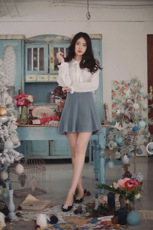 Feminine Lace Knit   Helen Ribbon Blouse  Daily Flare Skirt