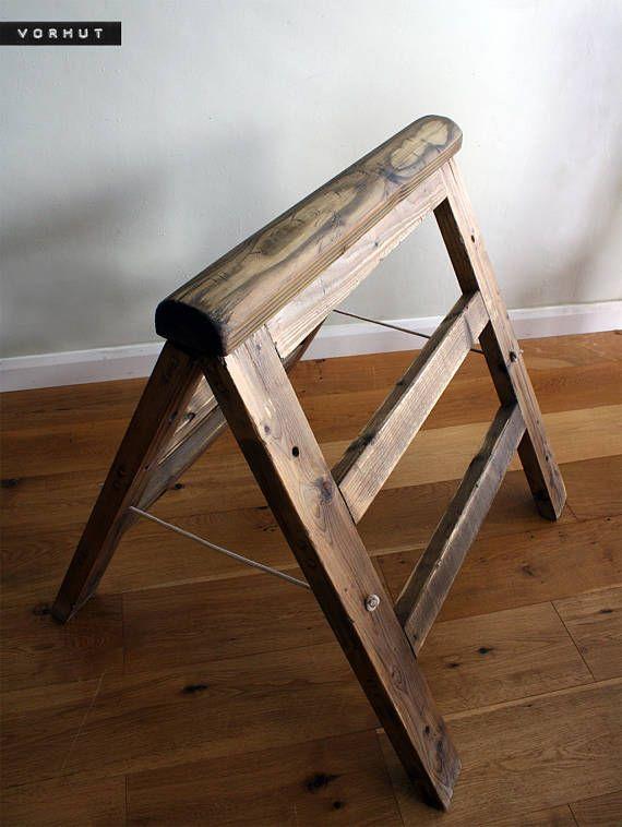 Vorhut 'Windsor' Rustic Saddle Rack