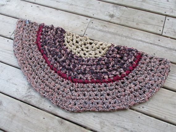 Americana Half Circle Kitchen Rug Crochet 31 Rag By Cedarlanefarm Americana Ha Americana Half Circle Kitchen Rug Crochet 31 In 2020 Kitchen Rug Rugs Crochet Rug