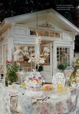 Perfect garden shed w/ outdoor dining