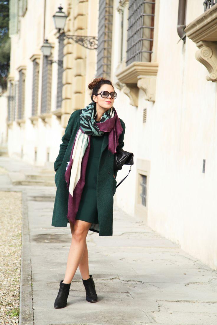Un cappotto verde bosco + un vestito verde bosco