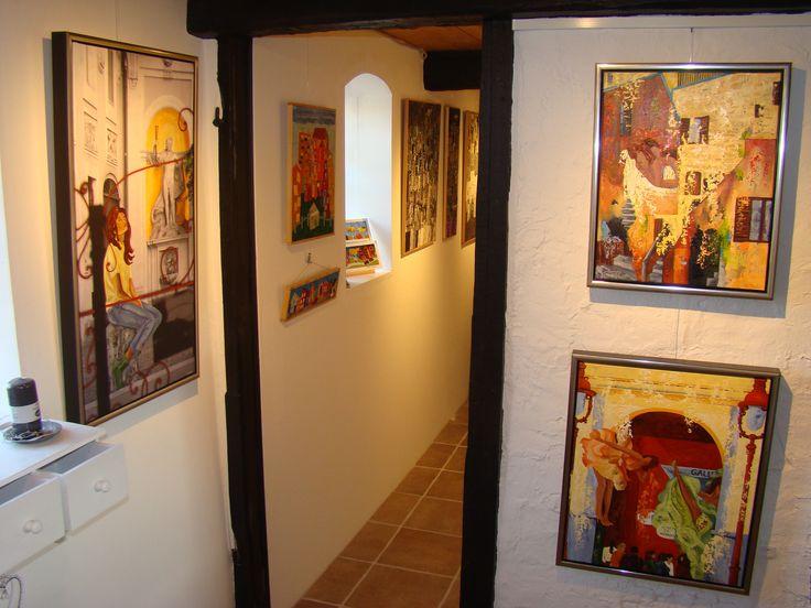 Galleri i Odsherred. Rundtur i Galleri 3G. Malerier. #galleri3g #galleri #kunst #galleriodsherred #KunstKlærKvinder