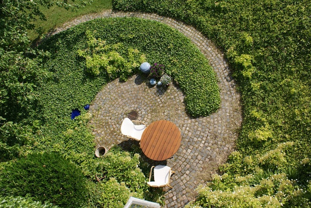 Spiral garden by c th s rensen for his daughter sonja for Decoration jardin spirale