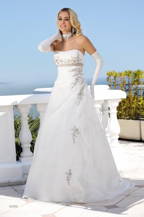 Ladybird trouwjurk model 34089 - Xsasa bruidsmode