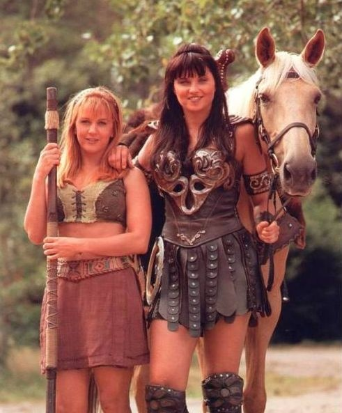 "Xena ""Lucy Lawless"" And Gabrielle ""Renée O'Connor"" Xena: Warrior Princess (1995-1999)"
