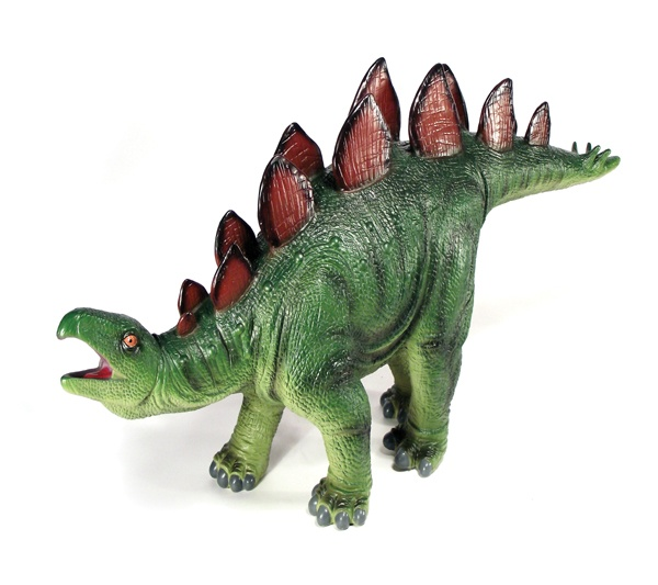 Estegosaurio gigante - Estegosaurio enorme y de plástico flexible para los más pequeños. Se convertirá en su mejor compañero de juegos. También tenemos al temido Tiranosaurio Rex gigante. Alto: 24 cm Largo: 58 cm Material: Plástico flexible Edad: a partir de 3 años Ref. 30105 Precio: 32.00 € IVA incluido