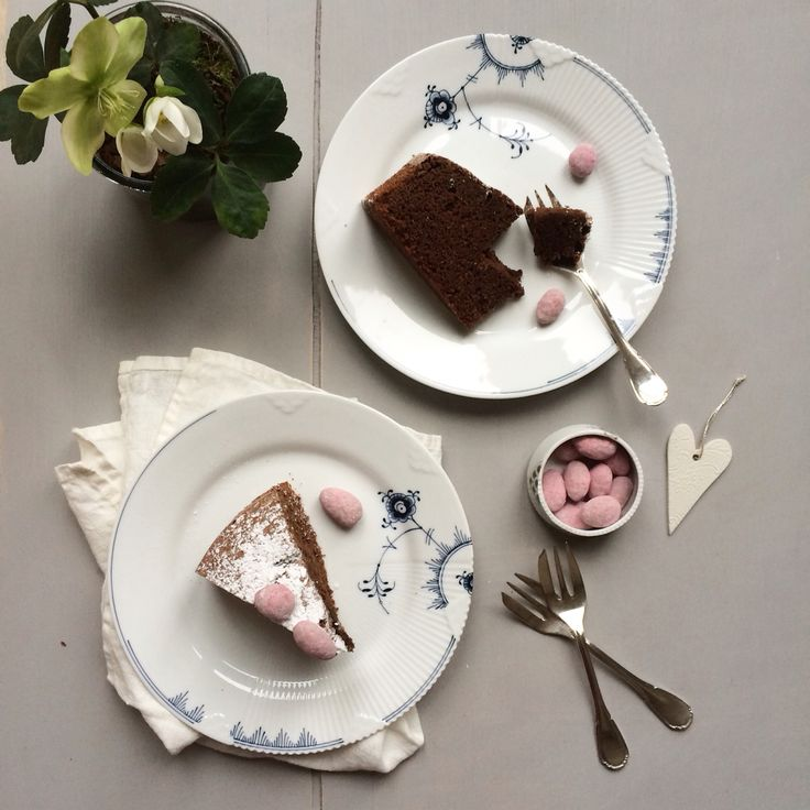 Cake Time with Blue Elements. Photo credit to @_mariannejacobsen_ on Instagram
