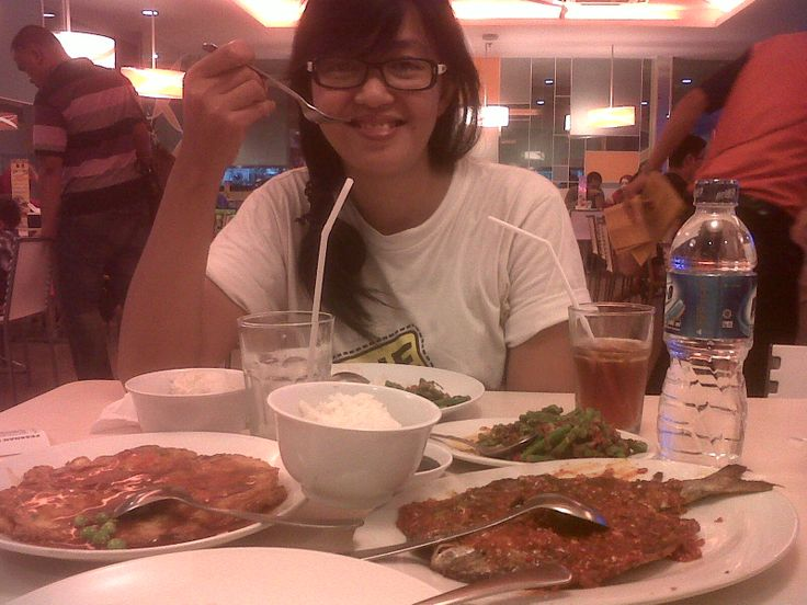 I love to eat :p