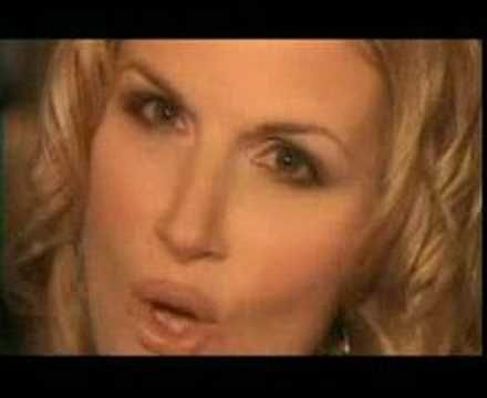 How Do I Live Trisha Yearwood. Love the original. LeAnn Rimes' version is good, but this one is better!!