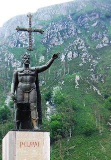 Estatua del Rey Pelayo en Covadonga